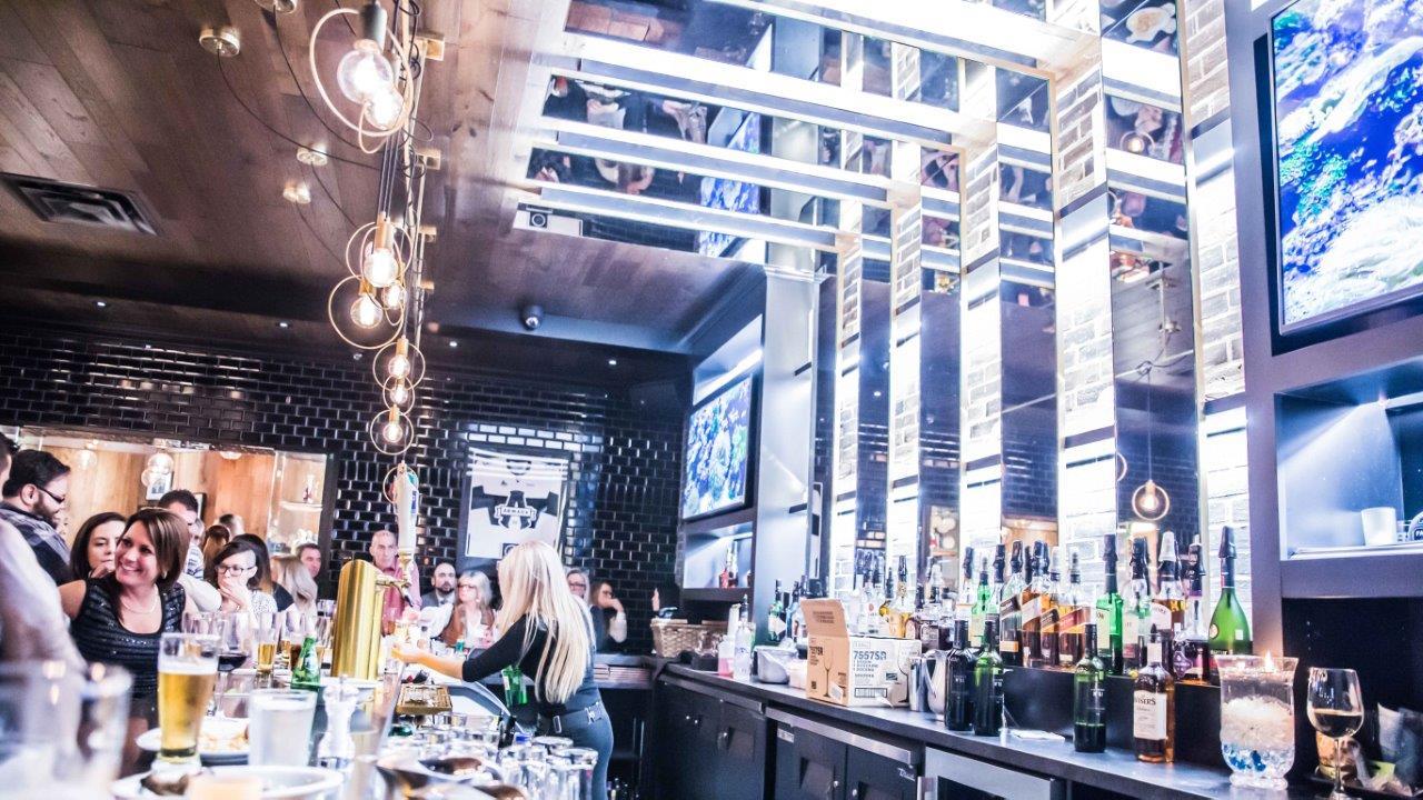 Nouveau mur et plafond de verre des restaurants Bâton Rouge