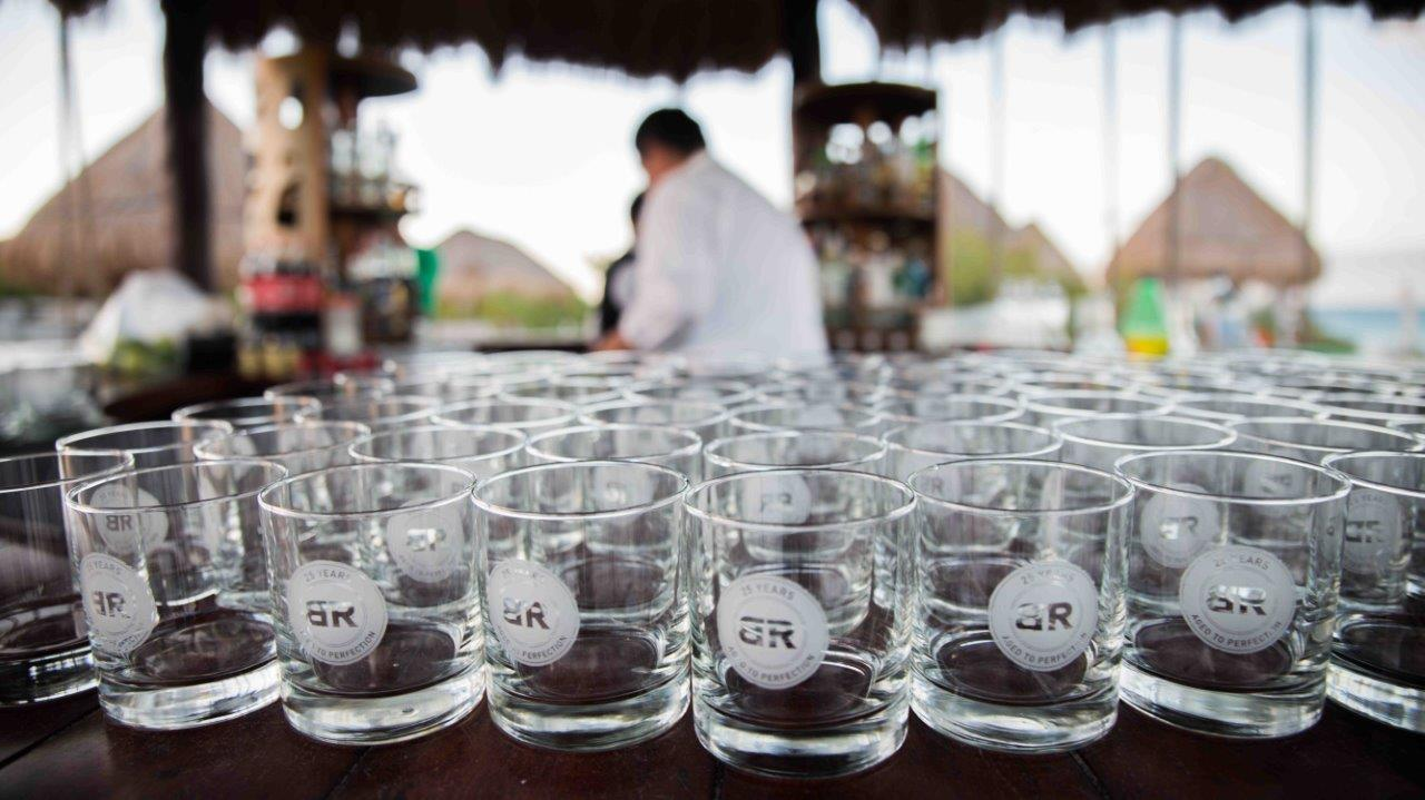 A table with baton rouge restaurant glasses