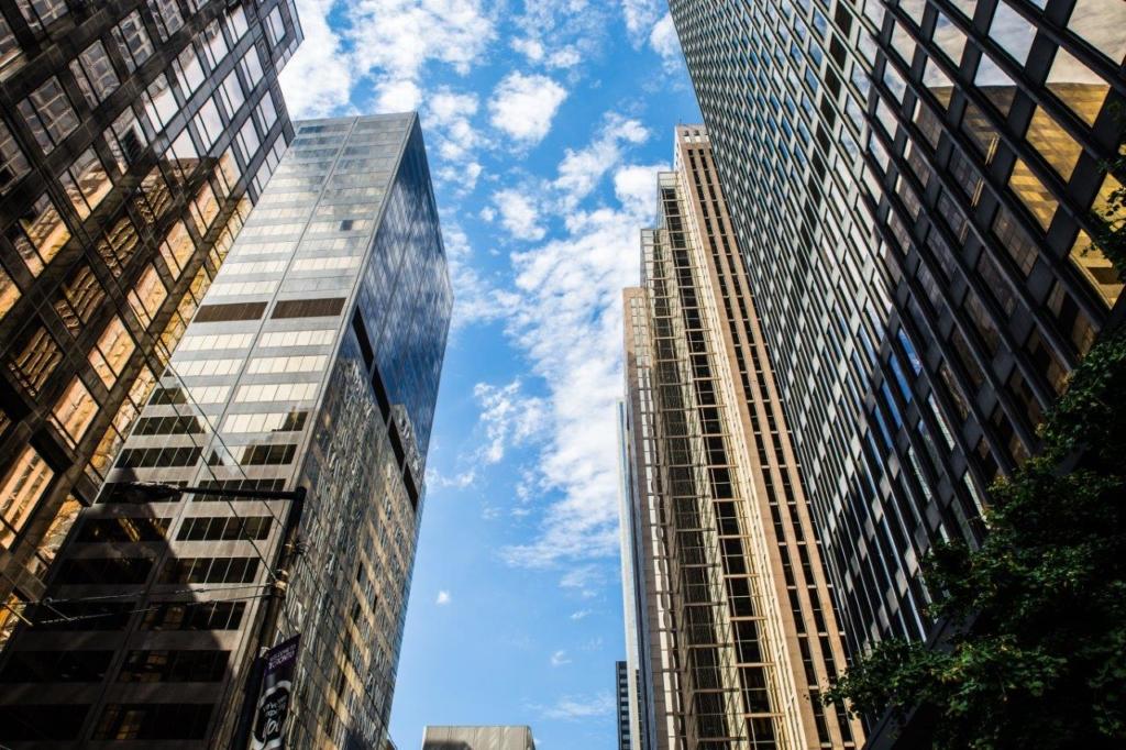 tall toronto corporate skyscrapper building