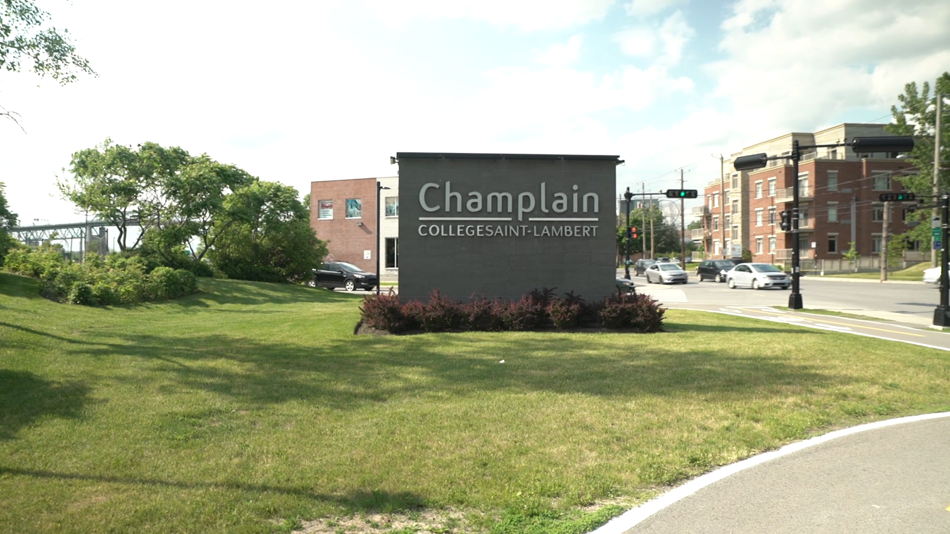 Sign of Champlain College Saint-Lambert campus
